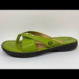 Born Green Leather Flip Flops Sz 8/39M